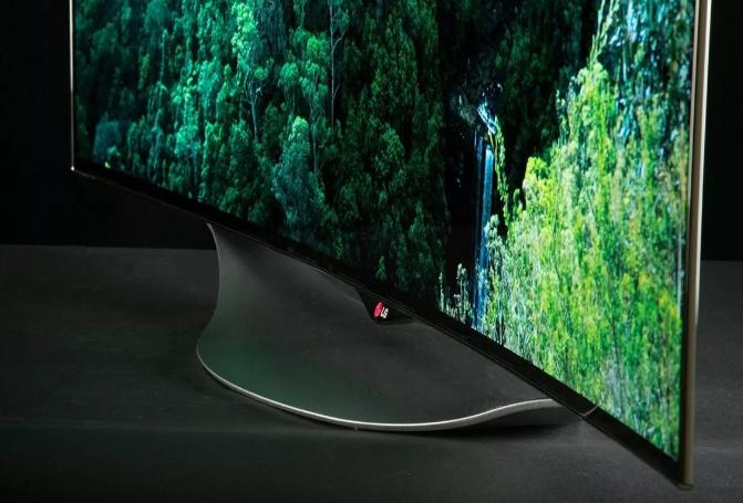 мСлабое место таких телевизоров в малой насыщенности черного цвета