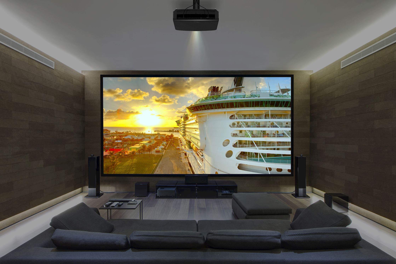 Просмотр кино в Full HD или HD на огромной 4K панели некомфортен