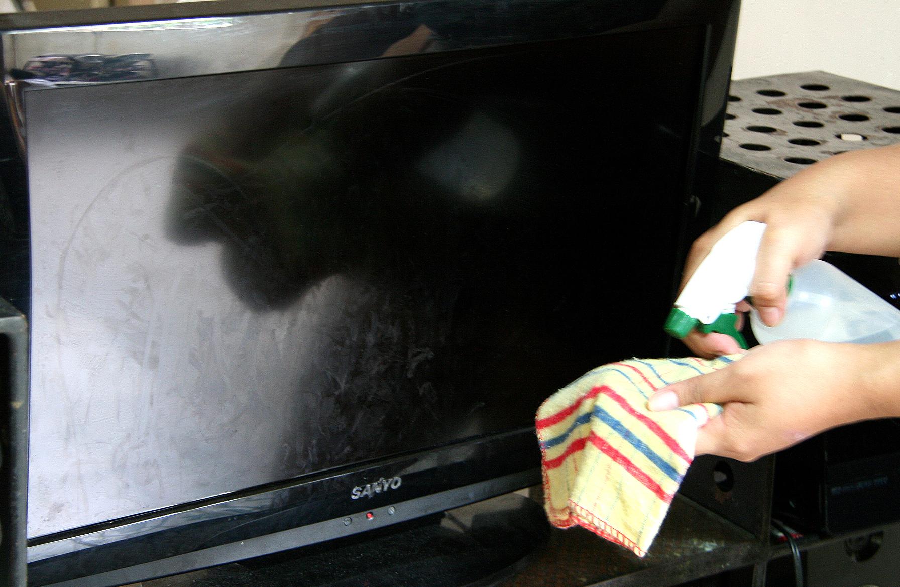 Царапины на экране телевизора
