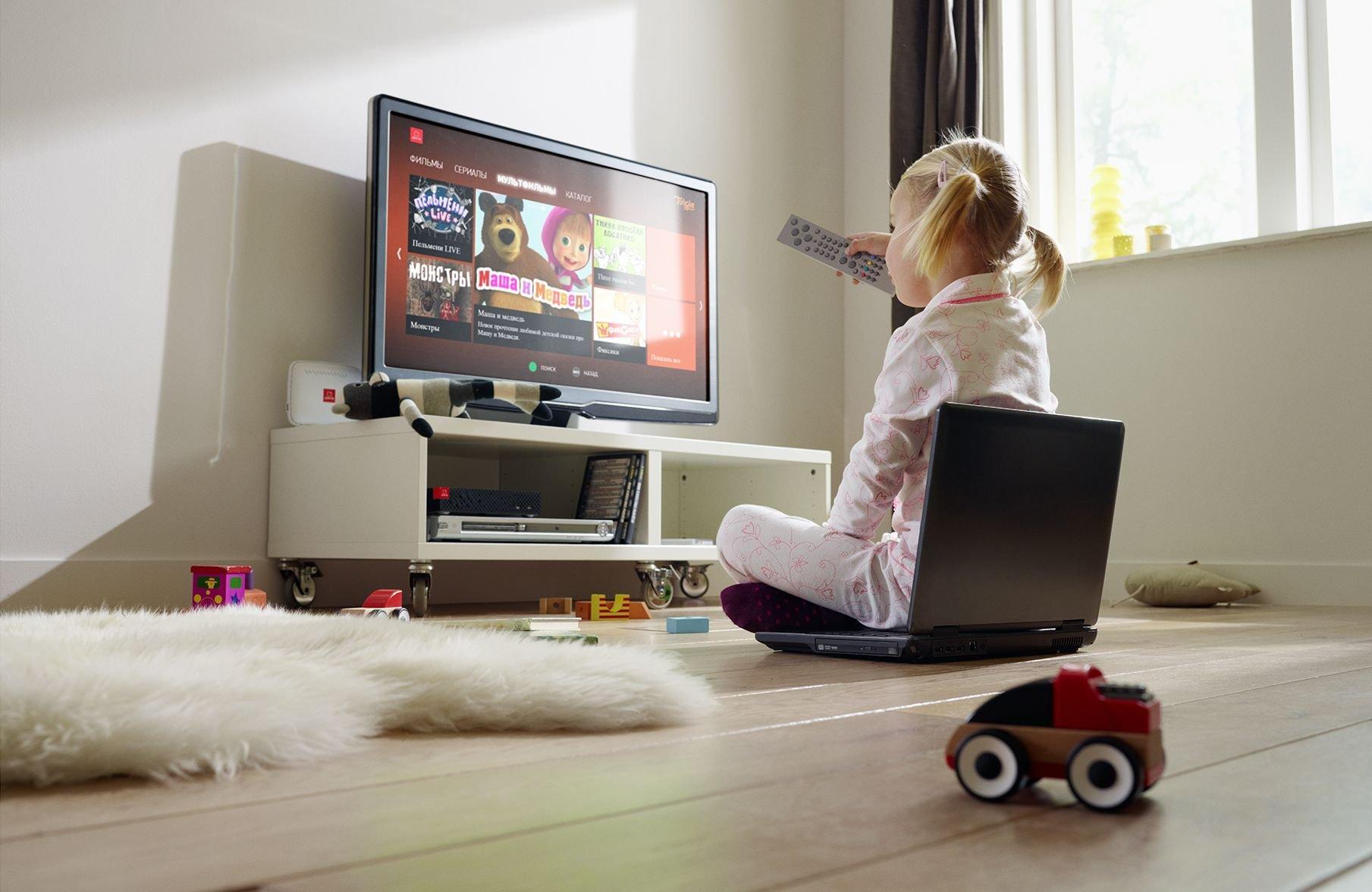 Со скольки лет ребенку можно смотреть телевизор?